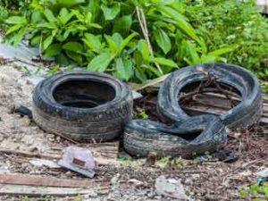 Wilder Müll Altreifen